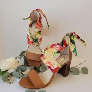 Louise et Cie Lo-kolay ankle scarf block heels